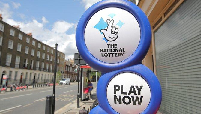 national lotto spendet 450 000 für wohltätige zwecke